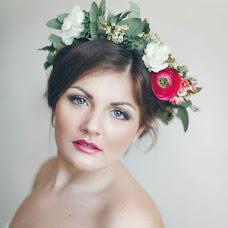 Wedding photographer Evgeniya Alyasova (JenniKvint). Photo of 18.04.2013