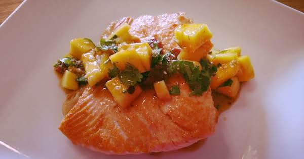Salmon With Spicy Mango Salsa Recipe