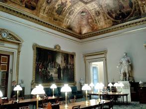 Photo: Salle des Conférences -  Construite par Jules de Joly et décorée en 1839 par François-Joseph Heim. Elle sert aujourd'hui de lieu de lecture et de rencontre pour les députés
