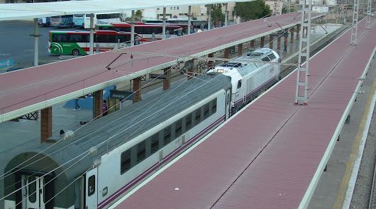 Los trenes con origen o destino Almería recuperan sus horarios