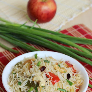 Apple Fried Rice Recipe – Easy Indian Kids Lunch Box