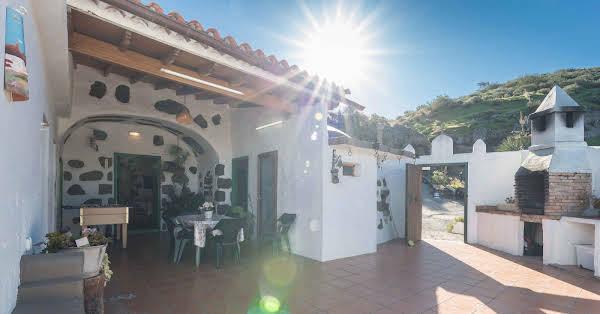Casa Cueva El Caidero