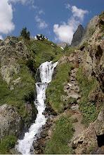Photo: Un salt d'aigua que cal superar
