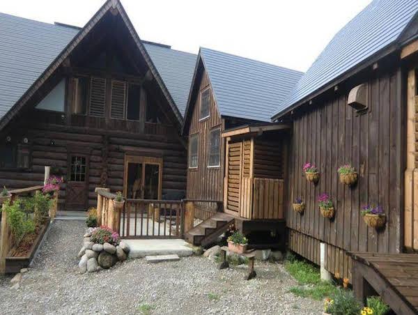 Cottage Log House Goo