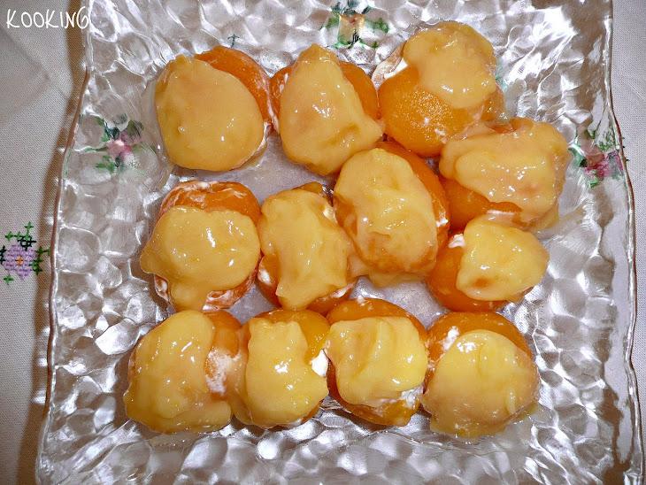Medlars with Mascarpone Cheese and Lemon Curd Stuffing