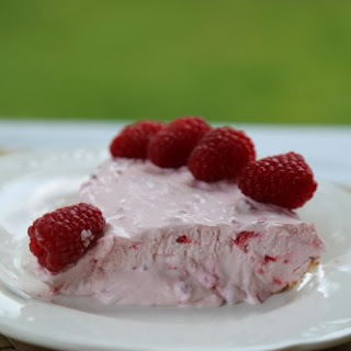 Raspberry No Bake Pie.