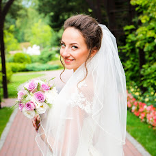 Wedding photographer Nikolay Gerasimchuk (NikolayWed0007). Photo of 14.08.2017