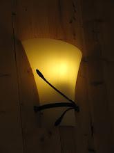 Photo: Dettaglio su luci in ferro battuto