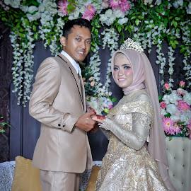 Layla wedding 2 by Agus Mahmuda - Wedding Bride ( bride, traditional, ceremony, layla, wedding, reception, indonesia )