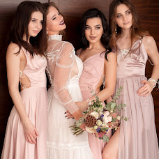 Wedding photographer Anna Lisovaya (AnchutosFox). Photo of 13.03.2018