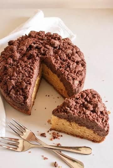 Vanilla Chocolate Crumb Cake