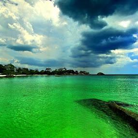 Green sea @ Belitung.... by Sigit Setiawan - Landscapes Travel ( green sea, belitong, indonesia, sea, seascape, belitung )
