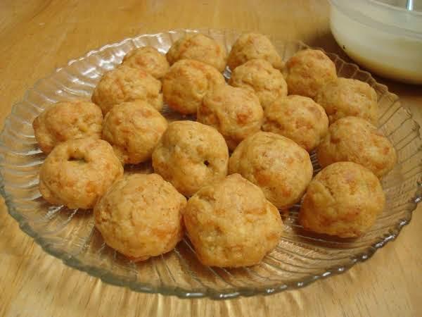 Cheesy Olive Balls Recipe