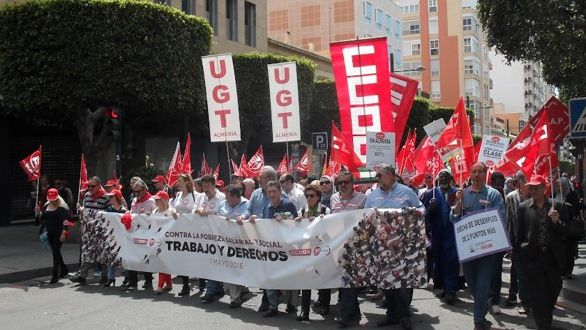Manifestación con motivo del Día Internacional del Trabajo hoy en Almería.