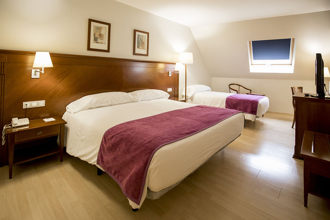 Spacious and comfortable bedrooms | Hotel Golden Tulip Andorra Fènix 4 *