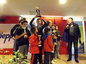 Photo: La 3e place pour Bois-Colombes, et une bouteille de cidre pour leur entraîneur Pascal Chomet dont c'était l'anniversaire