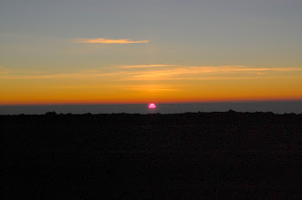 Photo: A few minutes later the sun rises behind me in the east ...