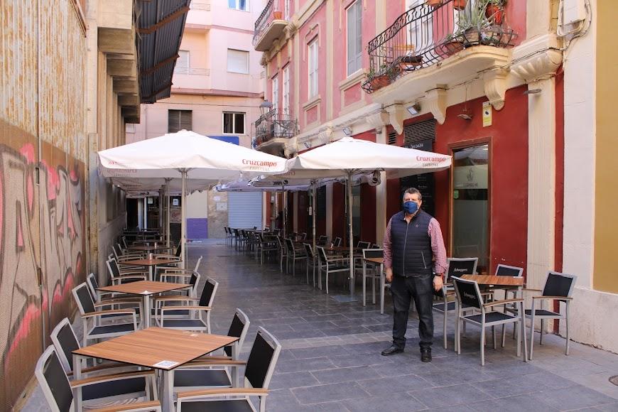 La hostelería abre hasta las seis de la tarde.