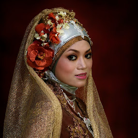 are you ready...? by Abdul Firdausy - Wedding Bride
