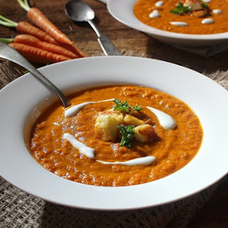 Chunky, Roasted, Curried Carrot and Tomato Soup with Halloumi Croutons