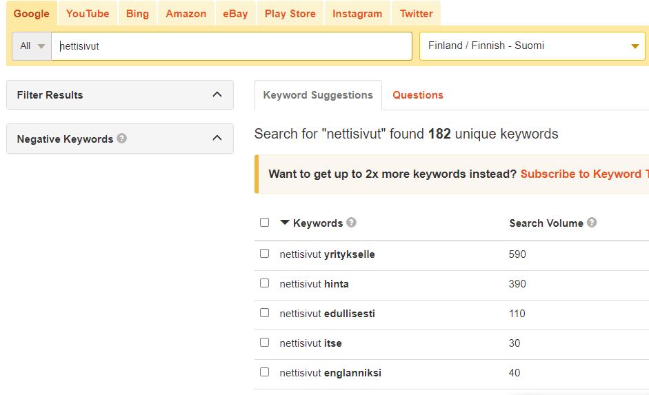 Kuvakaappaus keywordtool.io sivulta. Kuva havainnollistaa miten avainsanalla voidaan saada hakusanaehdotuksia ja paremmin ymmärtää hakijoiden hakuaikeita (search intention) ja -aiheita.