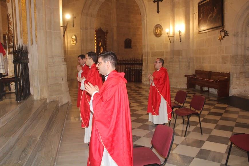 Sacerdotes en la celebración del Patrón de la Diócesis.