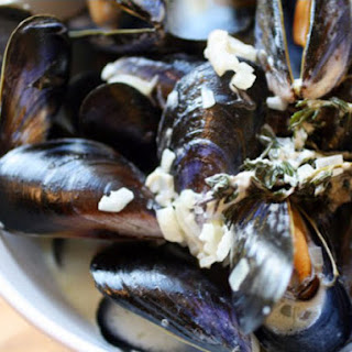Creamy Mussels with Sauce Roquefort.