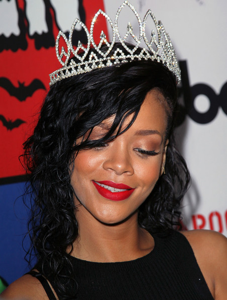 Rihanna+City+West+Hollywood+Celebrates+Halloween+hMlBY7fY3G4l