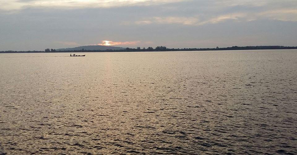 Hoàng hôn trên sông Stung Koh Poi