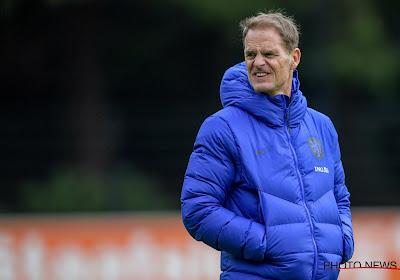 Nederlanders laten niet te verstane boodschap over trainingsveld Oranje vliegen, bondscoach De Boer lacht kritiek weg