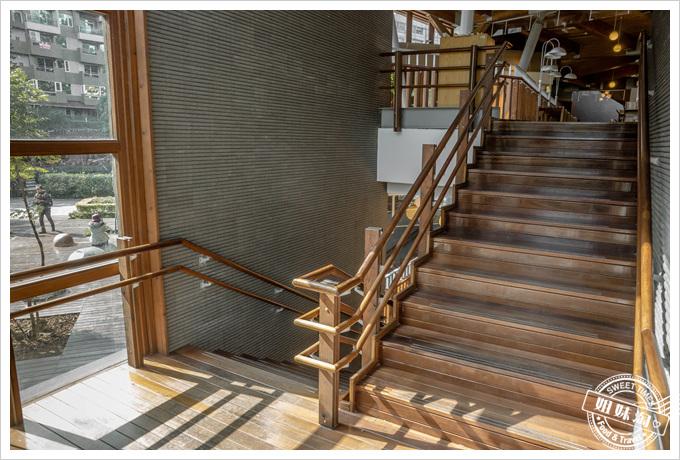 北投圖書館樓梯