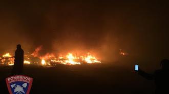 Imágenes del incendio cedidas por Bomberos del Levante.