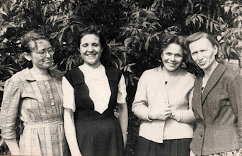 Photo: С улыбками и энтузиазмом - Серафима Федоровна, Нина Александровна, Нина Георгиевна, Александра Андреевна