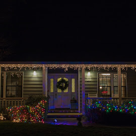Christmas Lights by Michael Mercer - Public Holidays Christmas ( copy space, home for the holidays, christmas lights )
