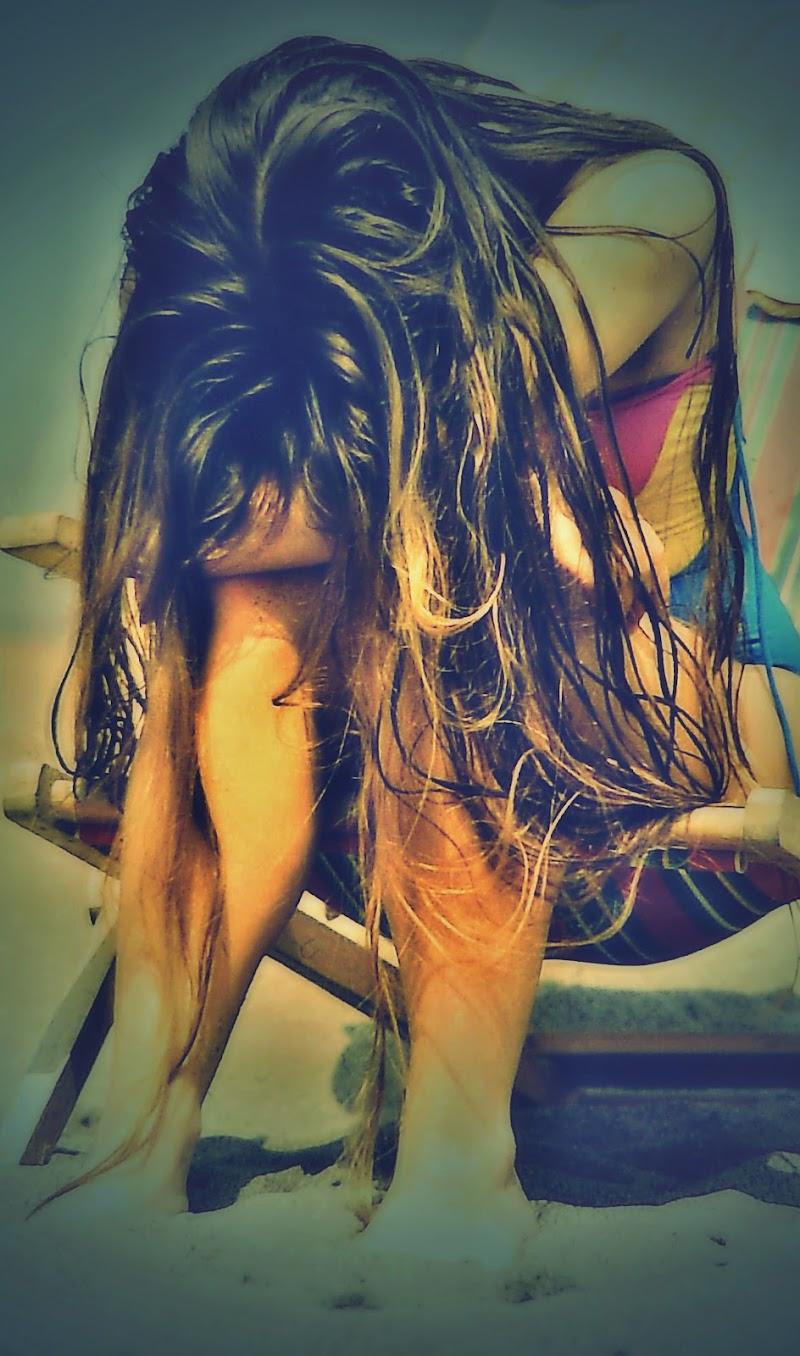 Ricordo ancora i suoi lunghissimi capelli... di Francesco Abate