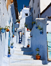 Photo: The picturesque blue streets of Chefchaouen, Morocco