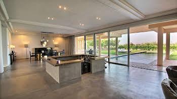 Maison 600 m2