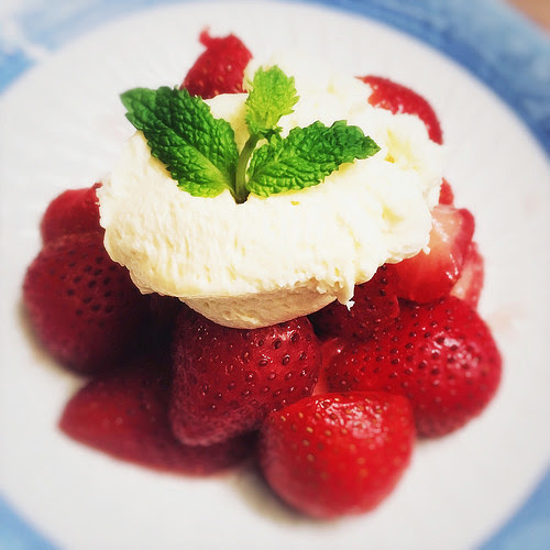 Strawberries, Mint, White Chocolate, Cream, recipe, summer, dessert