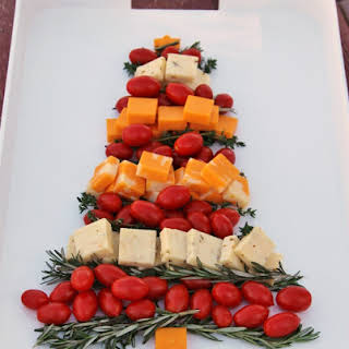 Christmas Tree Cheese Platter.