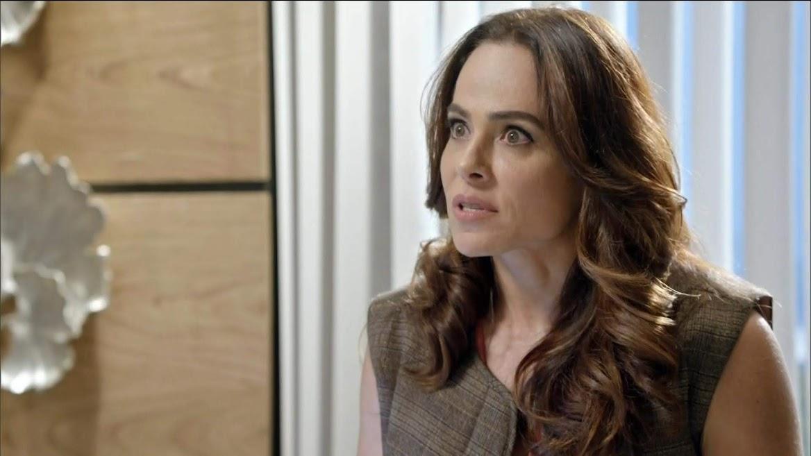 Beatriz (Cassia Linhares) em cena do capítulo de segunda 11/11