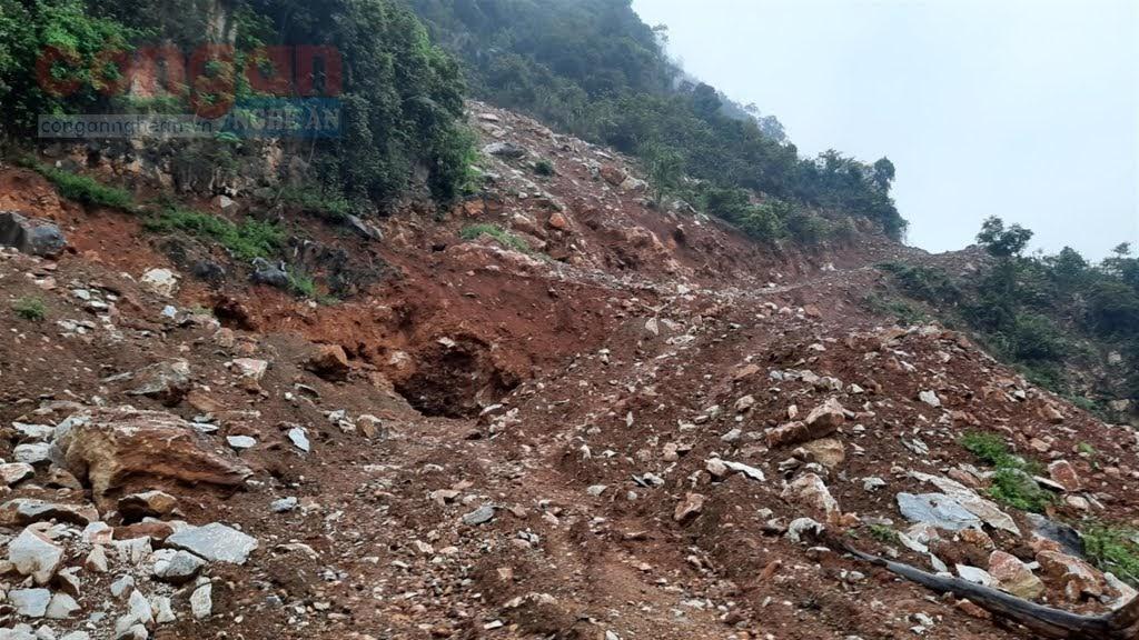 Hàng trăm m2 đất núi bị đào bới để khai thác quặng trái phép