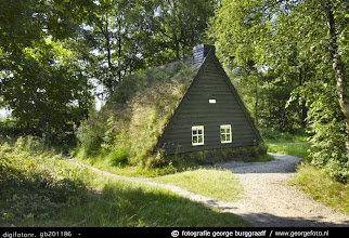 Photo: Drenthe   Veenhuisje  Foto: George Burggraaff http://www.georgefoto.nl  Bron: www.schoolbieb.nl  ,