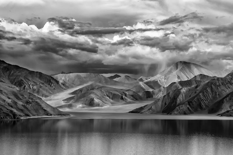 Himalaya - Lago Pangong di tonino_de_rubeis