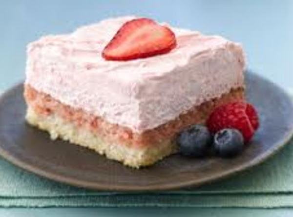 Strawberry Cream Squares Recipe