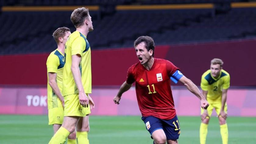 El delantero de la Real Sociedad celebrando su gol.