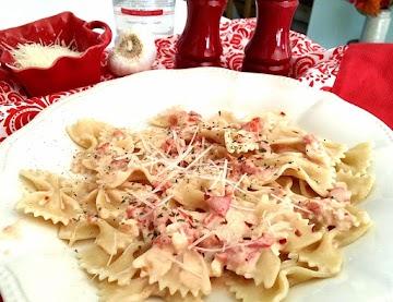~ Farfalle In Creamy Parmesan Vodka Sauce ~ Recipe