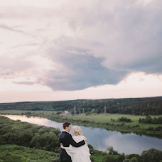 Wedding photographer Oksana Kuchmenko (milooka). Photo of 15.06.2017