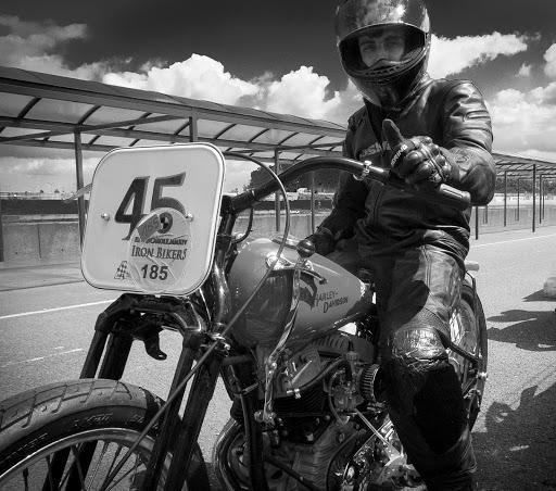 adrien-sur-la-harley-wlr-de-didier-au-circuit-carole-lors-de-lirin-bikers-2014