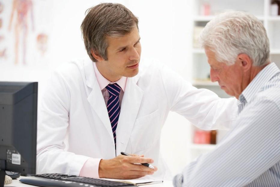 bệnh viêm phổi của người già khi giao mùa