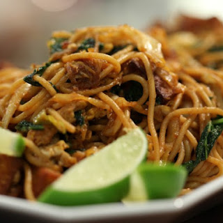 Wok-Fried Spaghetti with Kale and Tofu (Mee Goreng)